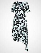 Finery London Fotsid kjole honesty