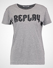 Replay Tshirts med print grey melange medium