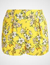 Vero Moda VMJENNA  Shorts empire yellow