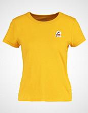 Vans PEANUTS JOE COOL Tshirts med print mineral yellow
