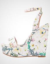Miss Selfridge MYTH Sandaler med høye hæler white