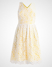 Dorothy Perkins Petite DAISY Sommerkjole yellow