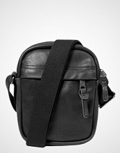 Eastpak THE ONE/LEATHER Skulderveske black ink leather