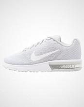 Nike Performance AIR MAX SEQUENT 2 Nøytrale løpesko pure platinum/white/wolf grey