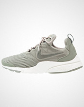 Nike Sportswear PRESTO FLY Joggesko dark stucco/river rock/cobbles