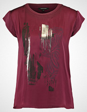 More & More Tshirts med print ruby orchid multi