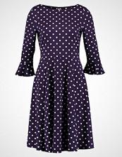 Wallis SPOT FLUTE SLEEVE Jerseykjole purple