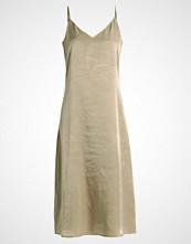 KIOMI Fotsid kjole light green