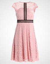 Dorothy Perkins EXCLUSIVE  Sommerkjole blush