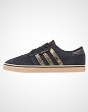 Adidas Originals SEELEY Joggesko core black/cardboard