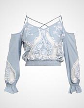 Miss Selfridge STRAP CUTWORK COLD SHOULDER Bluser blue