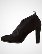 PERLATO Ankelboots med høye hæler noir