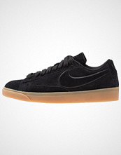 Nike Sportswear BLAZER LOW SD Joggesko black/light brown