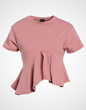 Lost Ink FLARED FRILL Tshirts med print light pink
