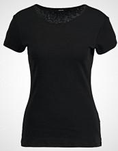 Opus SANNA Tshirts black