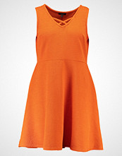New Look Curves Sommerkjole bright orange