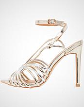 BEBO BAYLEE Sandaler med høye hæler silver/gold