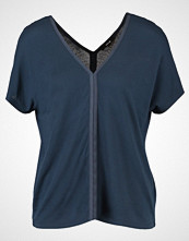 Opus SPOMENKA Tshirts med print thunder blue