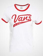 Vans BATTER UP Tshirts med print white/racing red