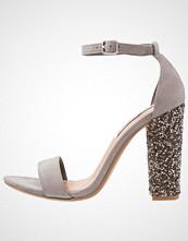 Steve Madden CARLY Sandaler med høye hæler grey