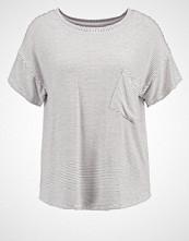 Moss Copenhagen AGNE VISA Tshirts med print white/black