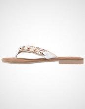 Tamaris Flip Flops white