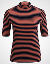 comma casual identity Tshirts med print red stripes