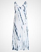 Junarose JRVESANI  Fotsid kjole snow white