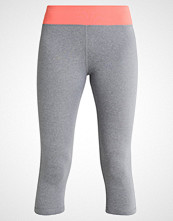Even&Odd active 3/4 sports trousers living coral