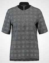 KIOMI Tshirts med print black/white