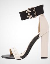 Missguided DOUBLE EYELET STRAP BLOCK HEEL Sandaler med høye hæler nude