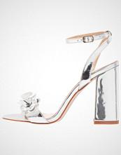 BEBO BAPTISA Sandaler med høye hæler silver