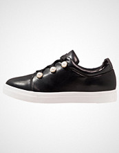 Lost Ink REBECCA PEARL LACE UP PLIMSOLL Joggesko black