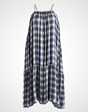 Glamorous Curve CHECK Fotsid kjole navy