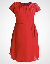 Dorothy Perkins Curve BILLIE AND BLOSSOM Sommerkjole red