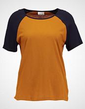 Noisy May NMGRADU RAGLAN  Tshirts med print cathay spice/navy blazer sleeves
