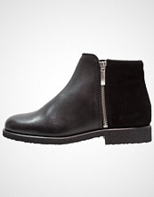 Zign Støvletter black