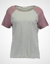 Noisy May NMGRADU RAGLAN  Tshirts med print light grey melange/twilight mauve