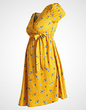 New Look Maternity SUE FLORAL PUFF SLEEVE  Sommerkjole yellow