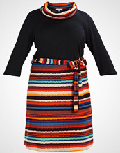 Anna Field Curvy Strikket kjole dark brown orange