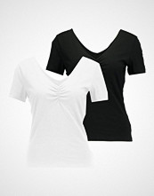 Vero Moda VMMARIELLA SHIRRED NECK 2 PACK Tshirts black/white