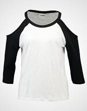 Noisy May NMGRADU COLD SHOULDER Topper langermet bright white/black