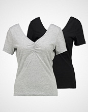 Vero Moda VMMARIELLA SHIRRED NECK 2 PACK Tshirts light grey melange/black