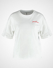 Only ONLGIRLBOSS EMBROIDERY FOLD UP Tshirts med print bright white