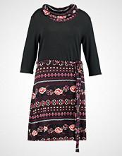 Anna Field Curvy Strikket kjole berry