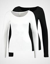 Only ONLLIVE LOVE NEW ONECK 2 PACK Topper langermet black/white