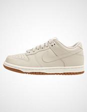 Nike Sportswear DUNK LOW Joggesko light orewood brown/sail gum/med brown