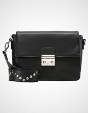 Missguided STUDDED STRAP LOCK Skulderveske black
