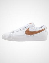 Nike Sportswear BLAZER LOW LE Joggesko white/red bronze