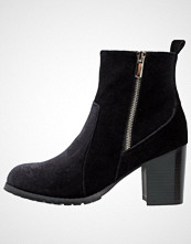 Head over Heels by Dune PIPPAA Ankelboots black